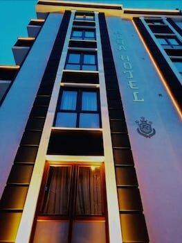 Alya Suite Hotel