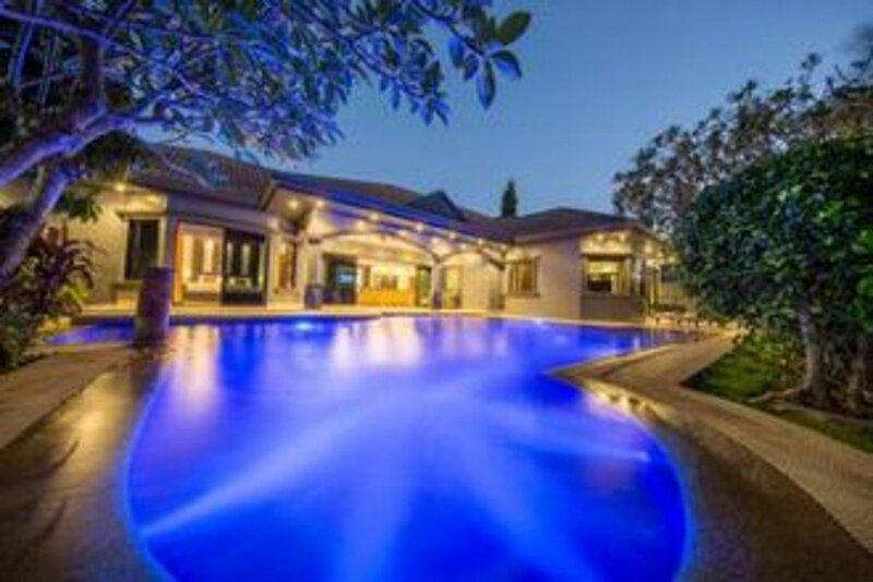 Villas in Pattaya Palm Oasis