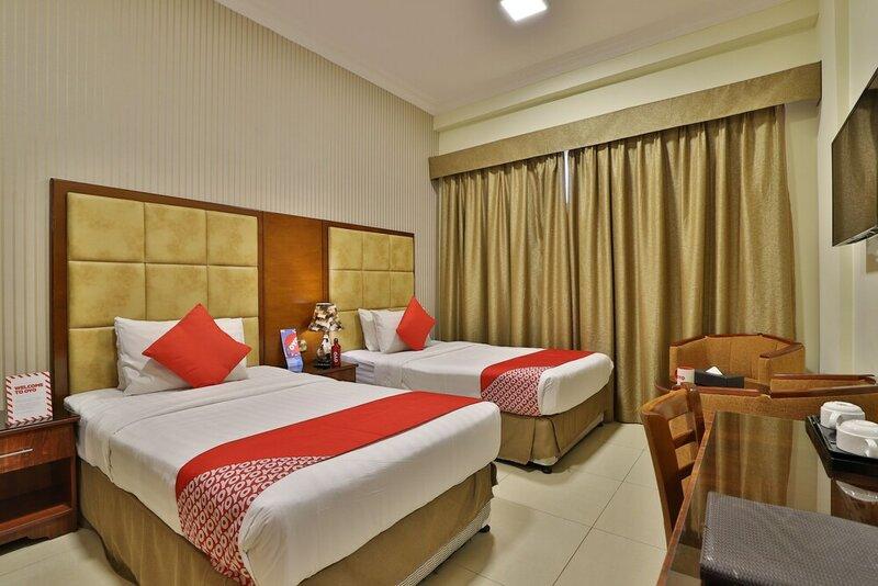 Oyo 101 Click Hotel