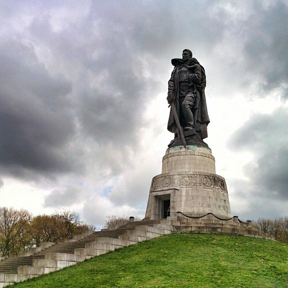 фото памятника в трептов парке доброе утро красивая