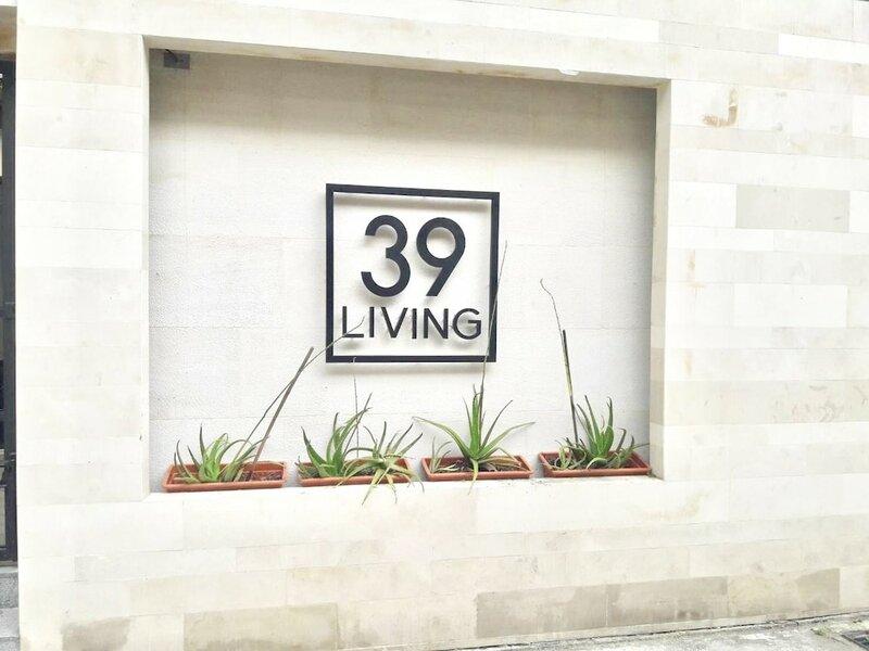39 Living