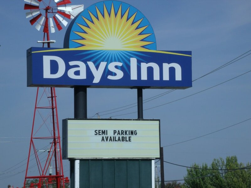Days Inn by Wyndham Davenport Ia