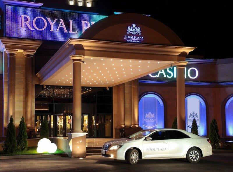 Гостиница Royal Plaza Hotel and Casino