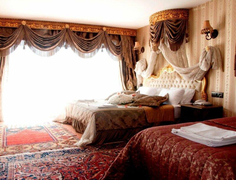 Grand Ambiance Hotel