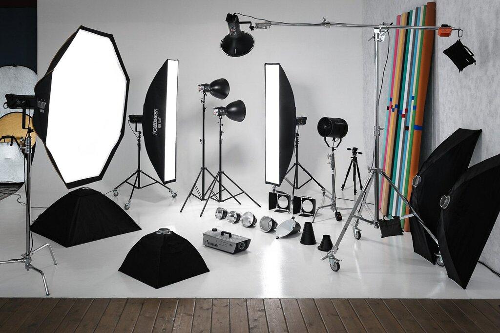 низкорослые, световое оборудование в фотостудии как работает продолжал