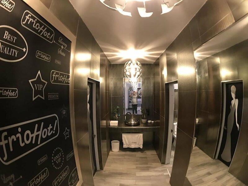 FrioHot Hotel
