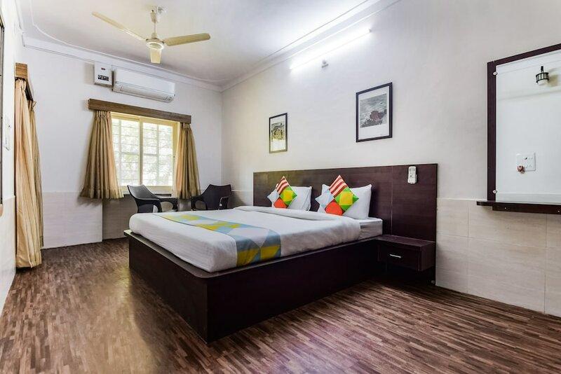 Oyo 11874 Home Cozy Stay Goverdhan Villas