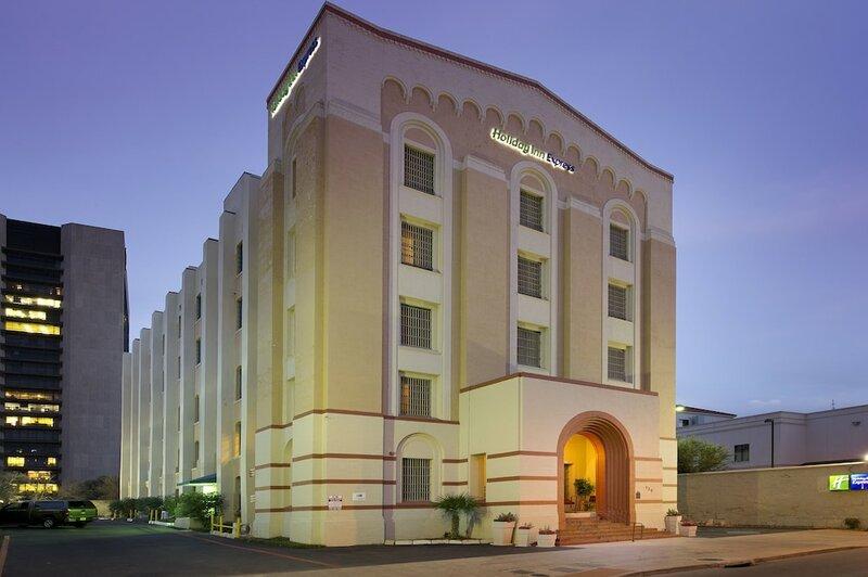 Holiday Inn Express Сан-Антонио района Н-Риверуолк