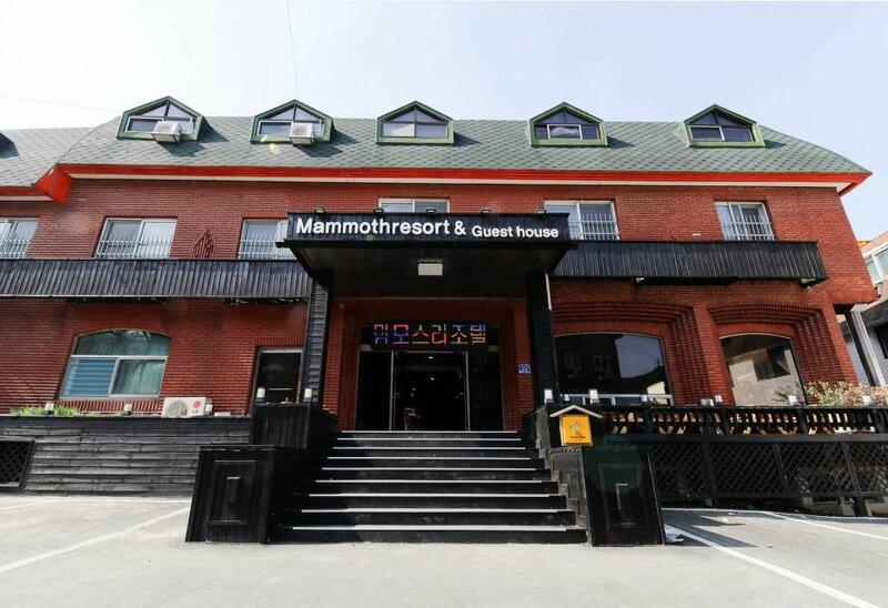 Mammoth Resortel
