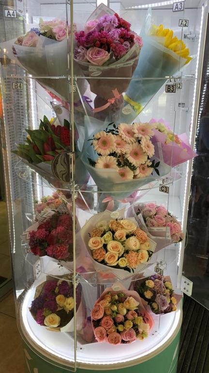 Лилий, роз, доставка цветов крылатское