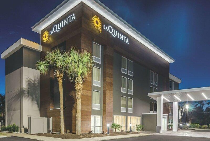La Quinta Inn & Suites by Wyndham Myrtle Beach - N Kings Hwy