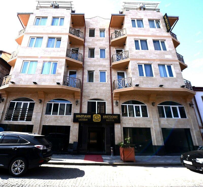 Отель Aristocrat Batumi