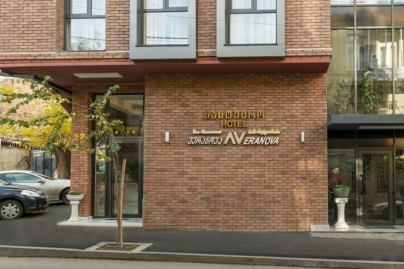 Veranova Hotel