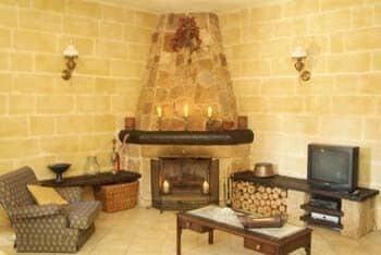 Ta' Bertu Host Family Bed & Breakfast