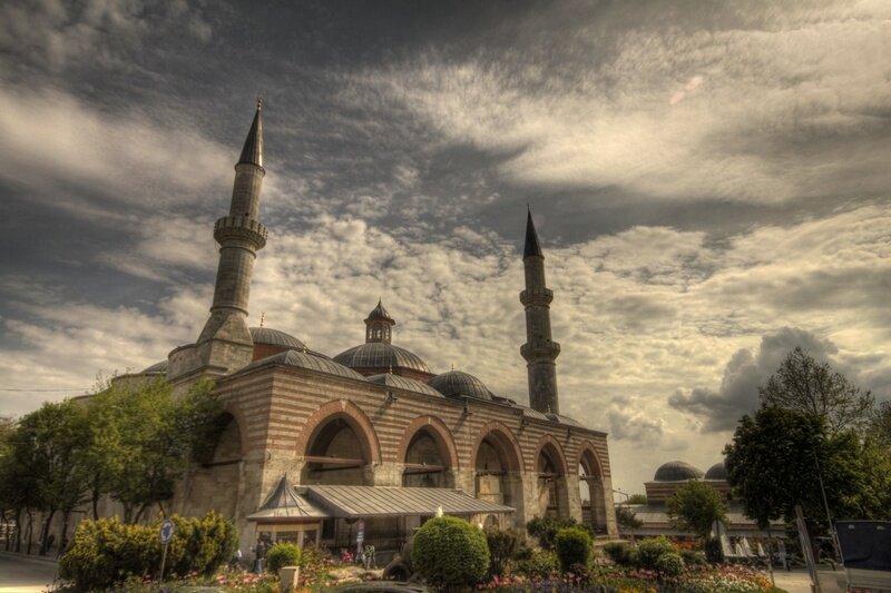 эдирне турция фото отель рядом с мечетью резервуаром
