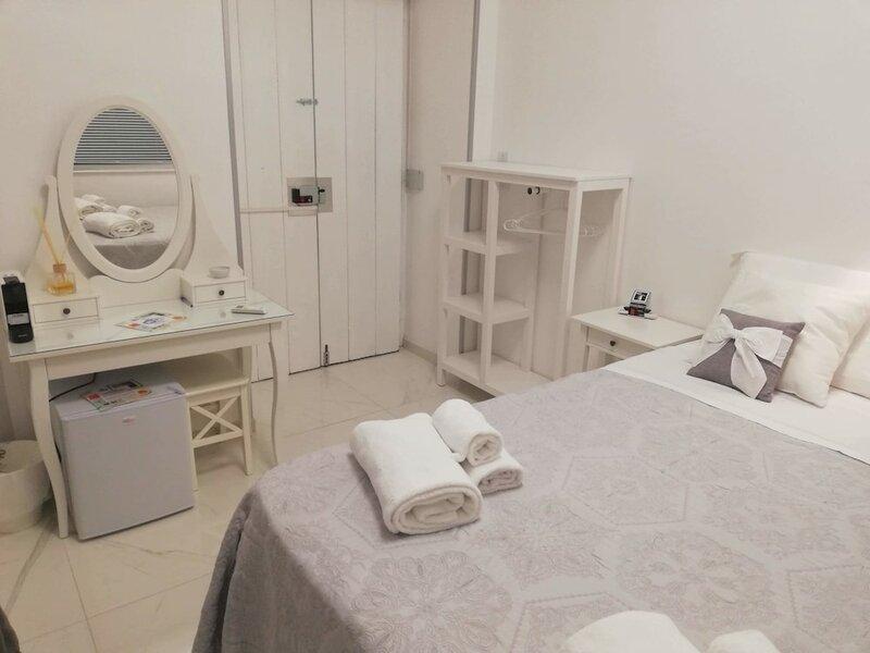 White Room Naples