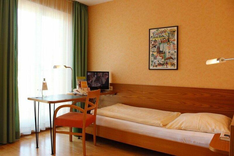 Stadt-Gut-Hotel An Der Persil-Uhr