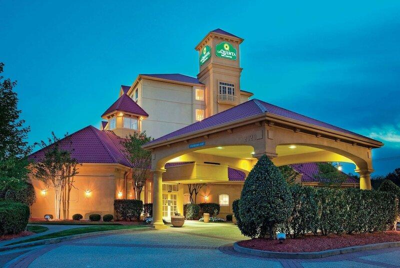 La Quinta Inn & Suites by Wyndham Winston-Salem