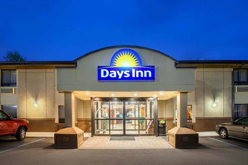 Days Inn by Wyndham Iselin Woodbridge