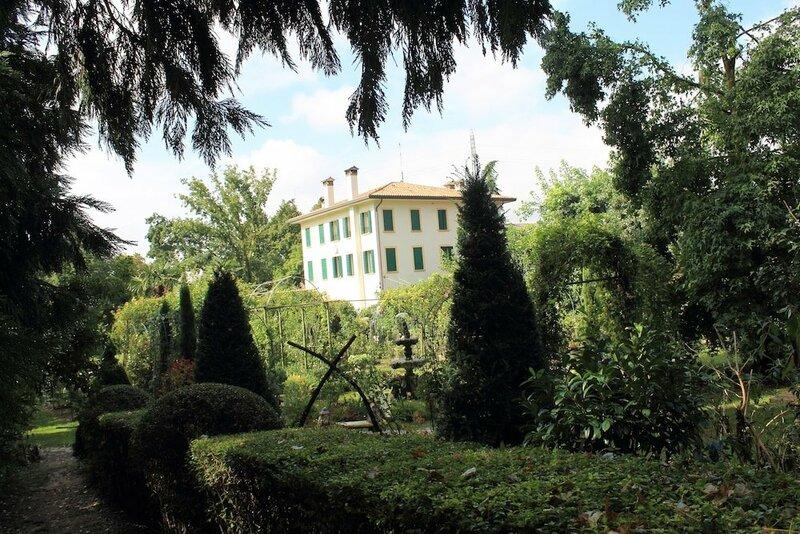 B&b The Home Villa Leonati
