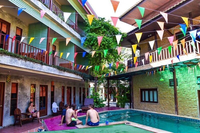 Phatchara Boutique Hotel - Hostel