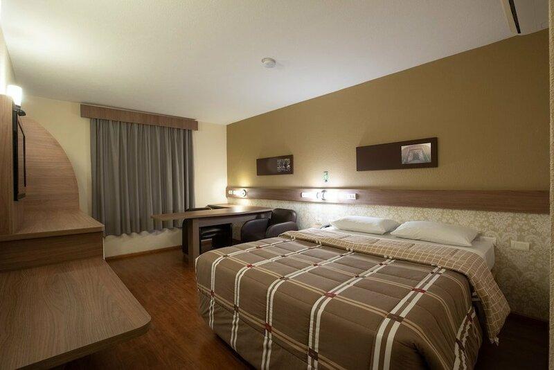 Hotel 10 - Itajai