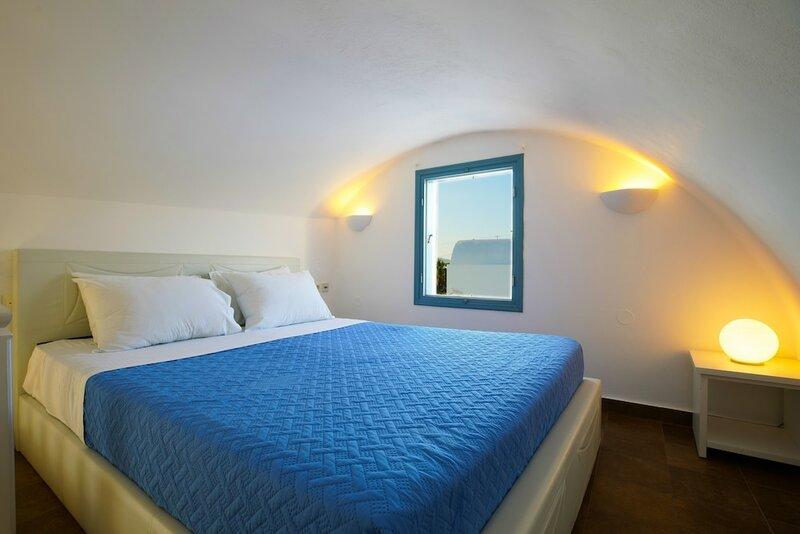 Athiri Santorini