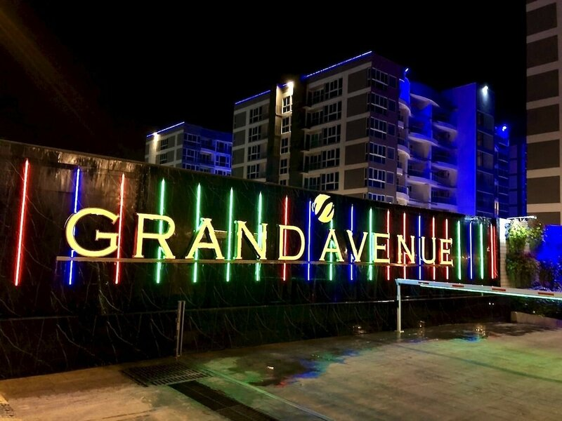 Luxury Apartments in Grand Avenue