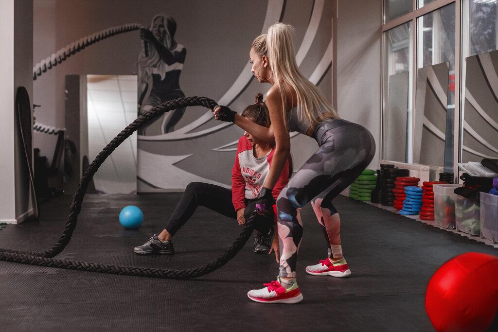 Фитнес клуб для девушек в москве с бигуди в краснодаре ночной клуб