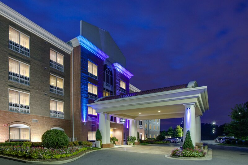 Holiday Inn Express Hotel & Suites Raleigh Southwest