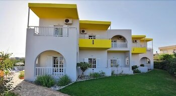 Kamaria Apartments