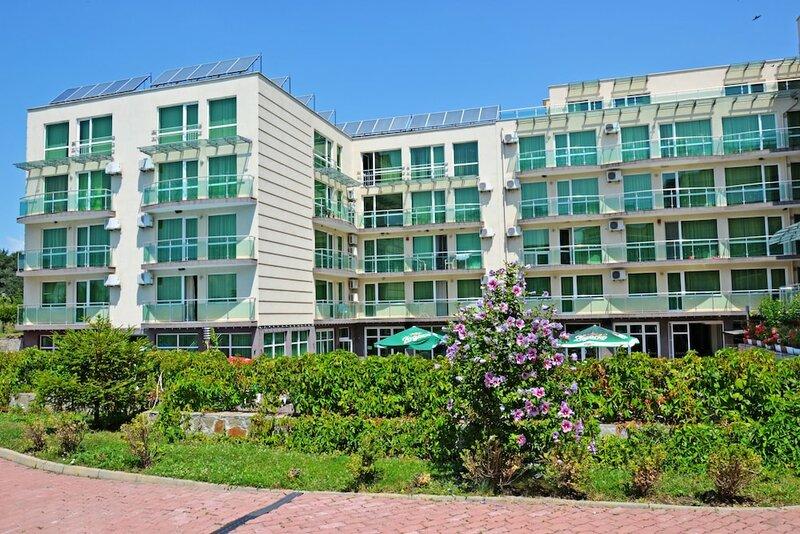 Clara Aparthotel & Residence