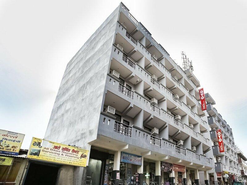 Oyo Flagship 30197 Noida Sector 43