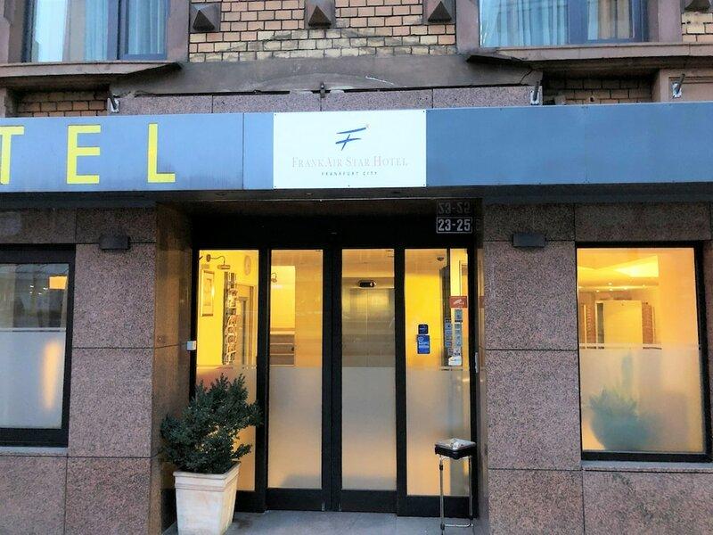 FrankAir Star Hotel Frankfurt City