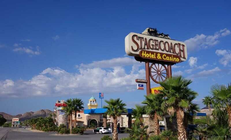 Casino hotel stagecoach fried chicken restaurant game 2