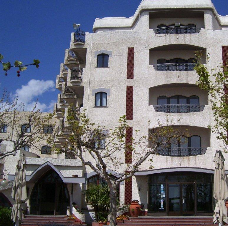 Bajamar Beach Hotel