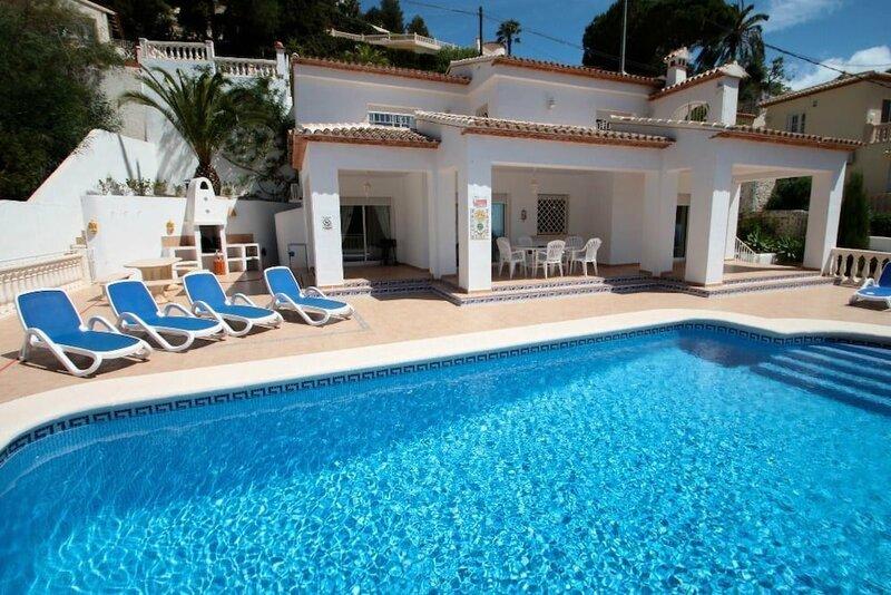 Frajapie - sea view villa with private pool in Moraira