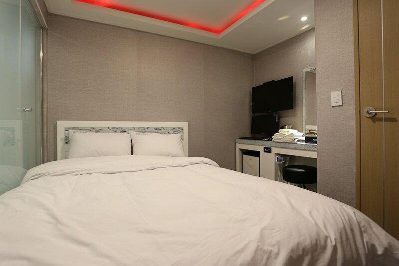 Top Hotel Myeongdong