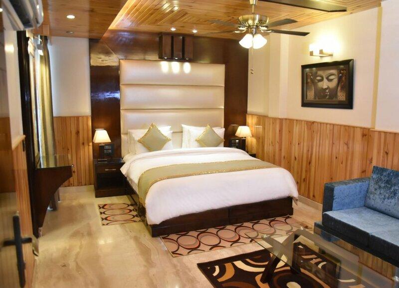 Hotel Wood Castle Grand