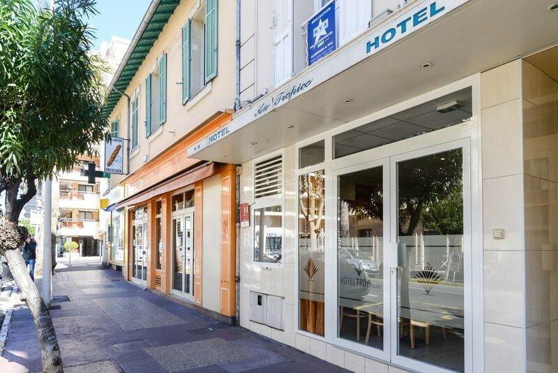 Hotel au Tropico