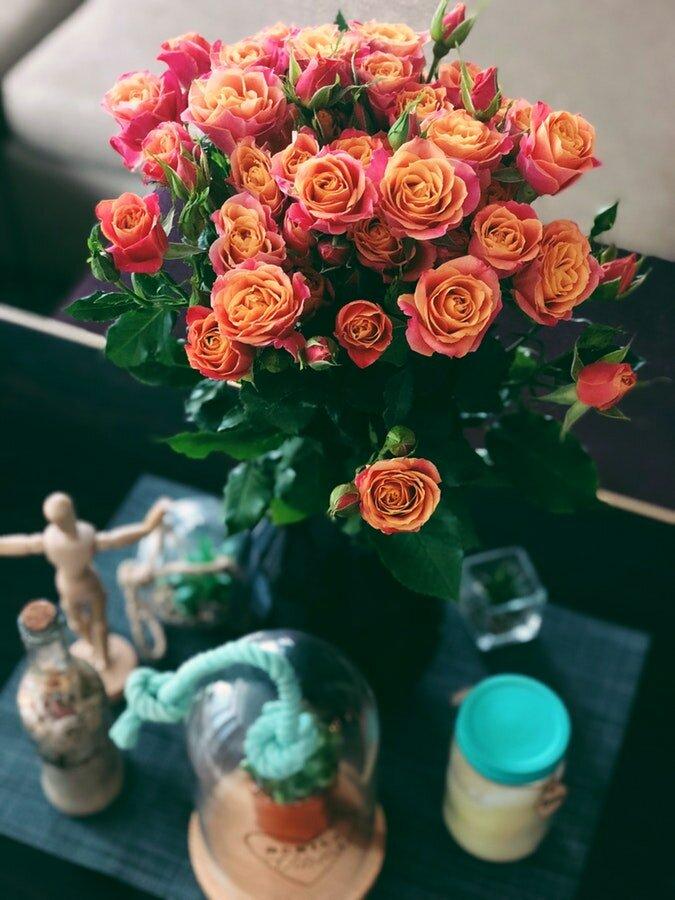 Доставка цветов на мичуринском, цветы корзине киев