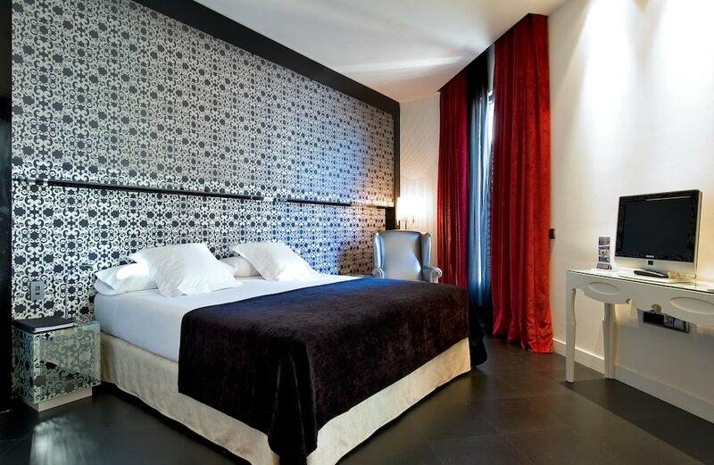 Отель Vincci VIA
