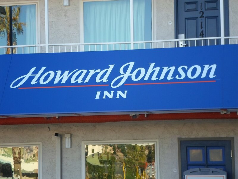 Howard Johnson On East Tropicana