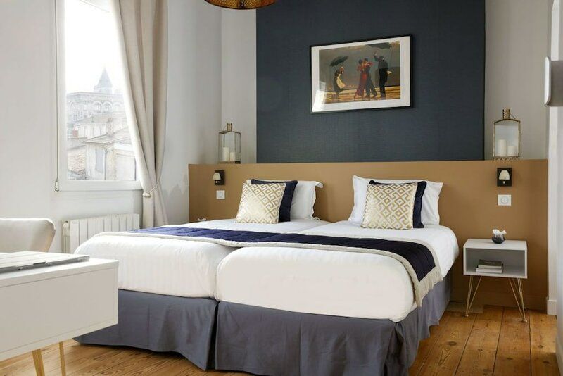 Les Séraphines Bed N Business