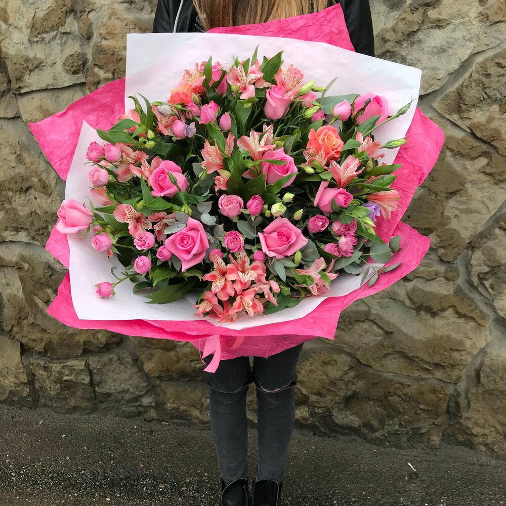 Самая дешевая доставка цветов за рубеж