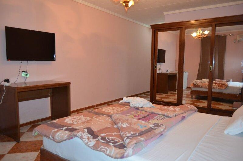 Hotel Raymon