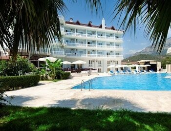Mira Garden Resort & Hotel