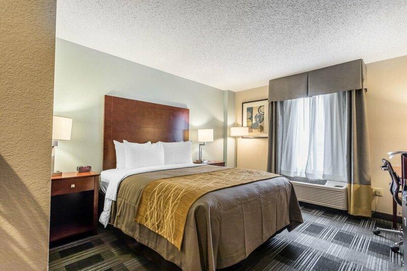 Holiday Inn Express Hotel & Suites Omaha-Southwest