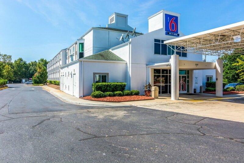 Motel 6 Charlotte Carowinds