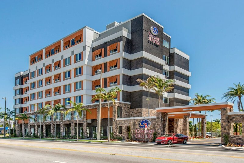 Comfort Suites Fort Lauderdale Airport & Cruise Port